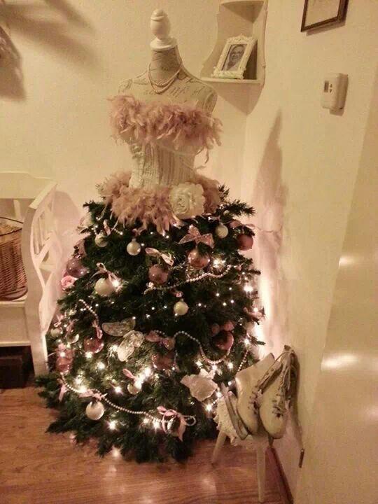 arbol-pino-navidad-con-forma-de-vestido (22) | Decoracion de ...