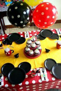 mesa-de-postres-de-mickey-mouse