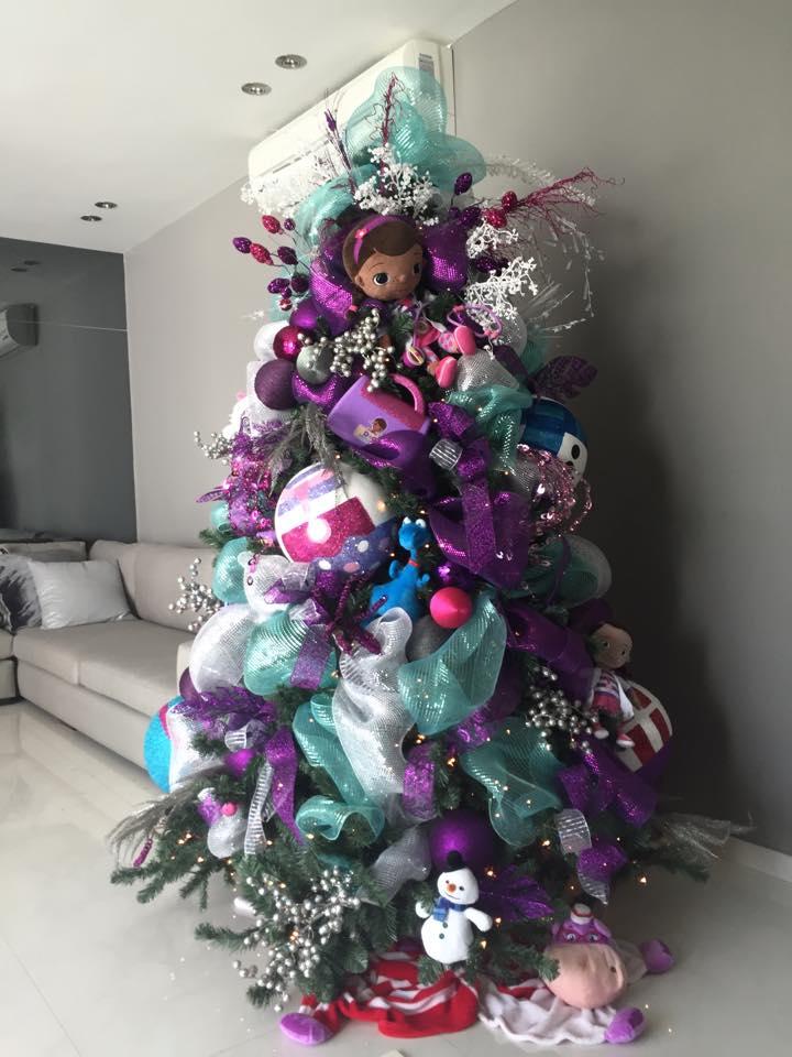 Pino de navidad infantil doctora juguetes decoracion de for Arbol navidad infantil
