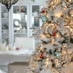 Pinos de navidad con nieve