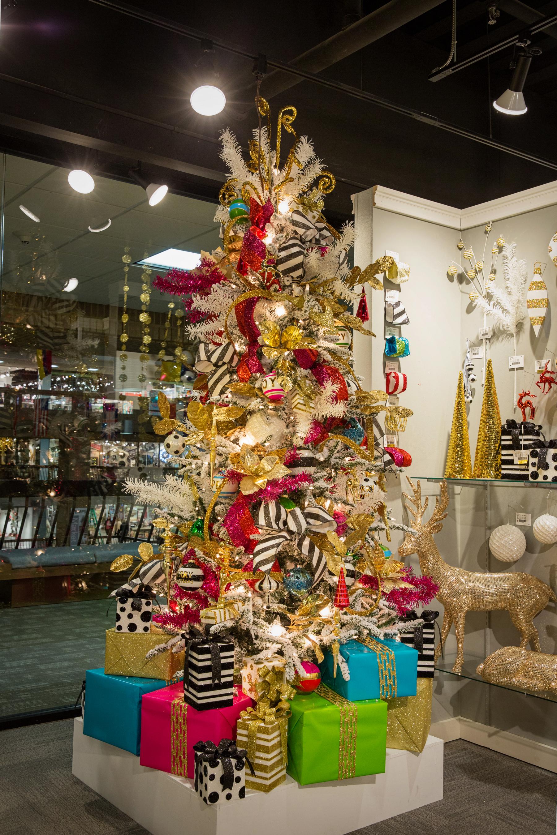 Decoracion de arbol de navidad decoracion de interiores - Arbol navidad adornos ...