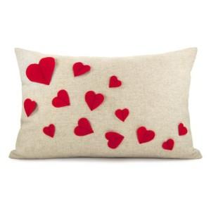 Las mejores ideas de cojines para el día de san valentine para compartir con tu pareja.