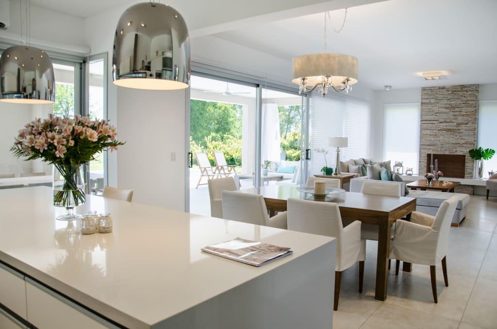 Concepto abierto cocina comedor sala 1 como organizar - Iluminacion para cocina comedor ...