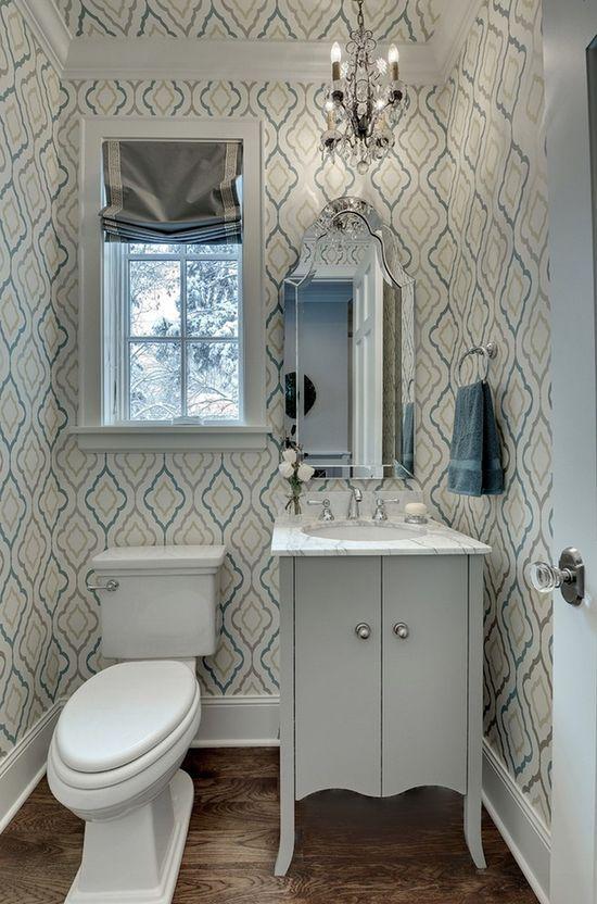 decoracion baño pequeño con papel tapiz