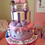 pastel de doctora juguetes