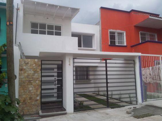 Diseno de cocheras casas de interes social 5 for Fachada de casas modernas con porton