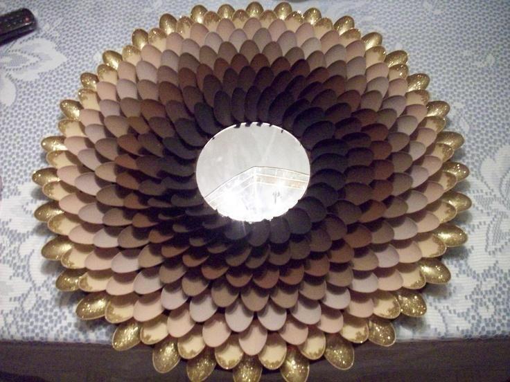 Diy decoracion de espejos con cucharas 4 decoracion de for Decoracion de espejo con cucharas
