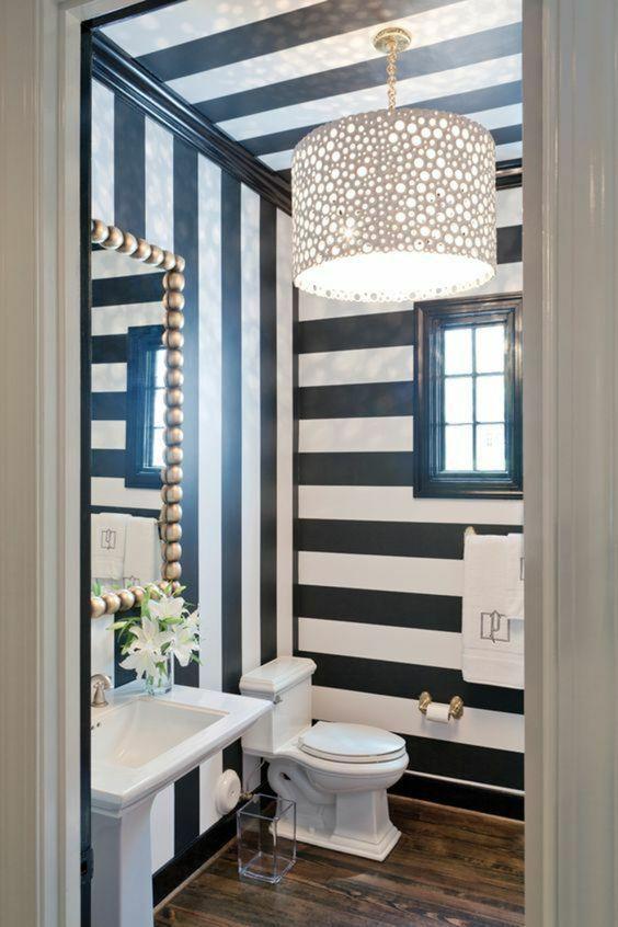 Ideas para decoración de baños con papel tapiz