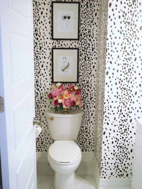 Ideas para decoraci n de ba os con papel tapiz 30 - Papel decorativo para banos ...