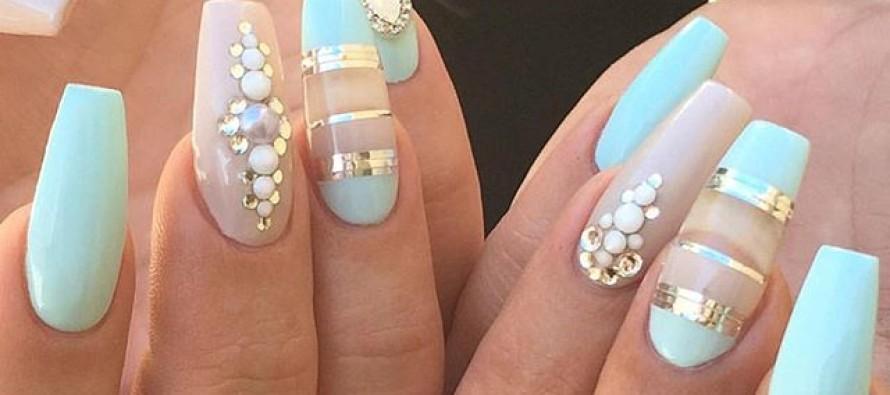 Diseños de uñas color menta
