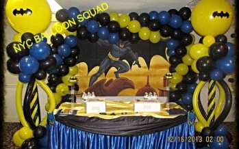 decoracion con globo fiesta batman