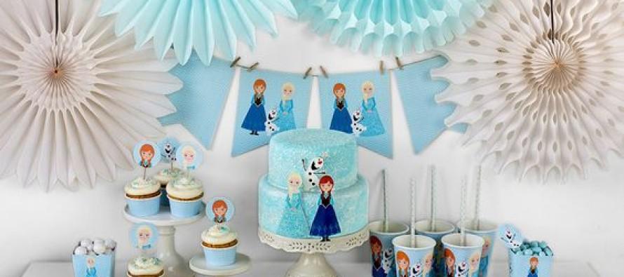 Mesa de postres de Frozen para Piñata – Fiesta de cumpleaños
