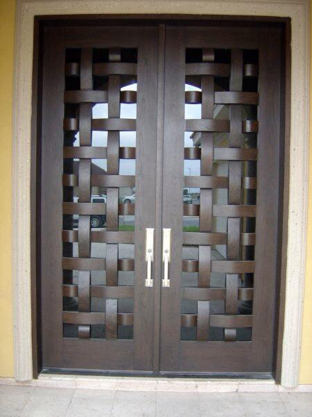 Tendencias en puertas de herreria 16 decoracion de for Puertas de madera con herreria