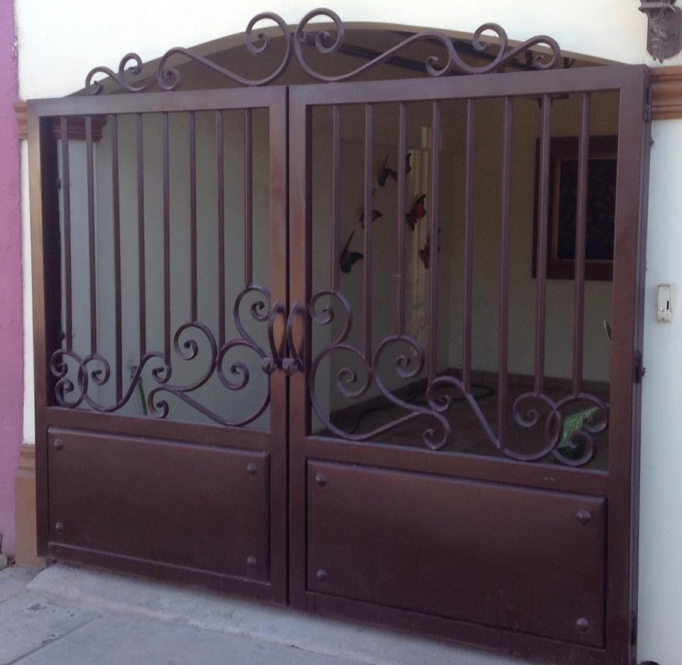 Tendencias en puertas de herreria 3 decoracion de for Puertas de herreria para casa