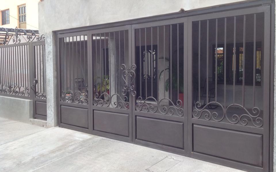 Tendencias en puertas de herreria 42 decoracion de for Puertas corredizas de herreria