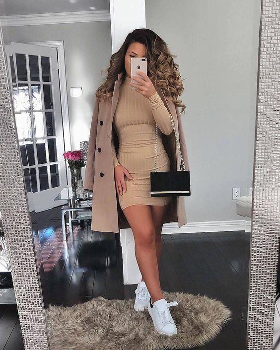 Outfits de vestidos con tenis