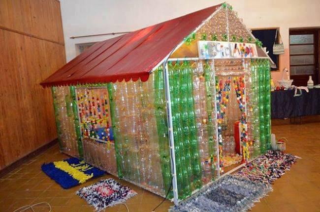 Casas para tus perros reciclando botellas 10 for Casas plasticas para ninos