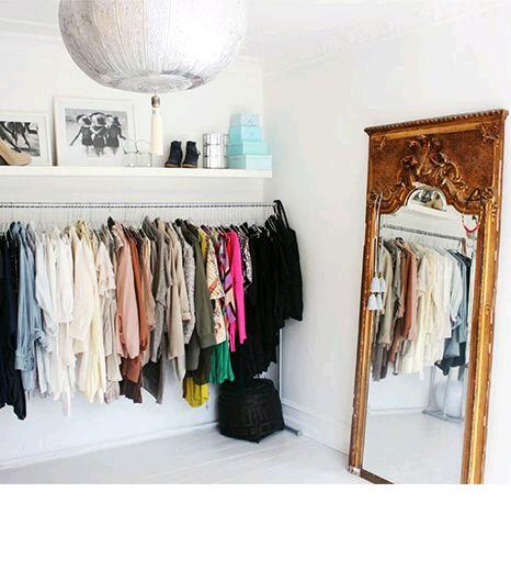 Closet como organizar la casa fachadas decoracion de for Ideas para closets en espacios pequenos