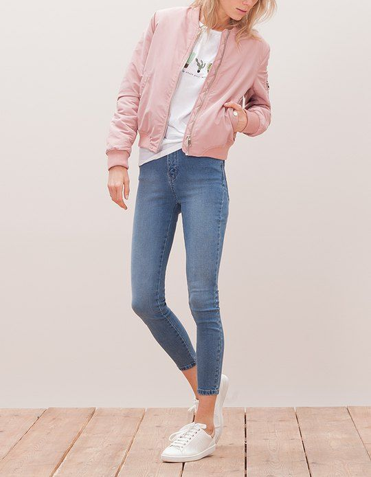 Chaqueta bomber mujer outfit