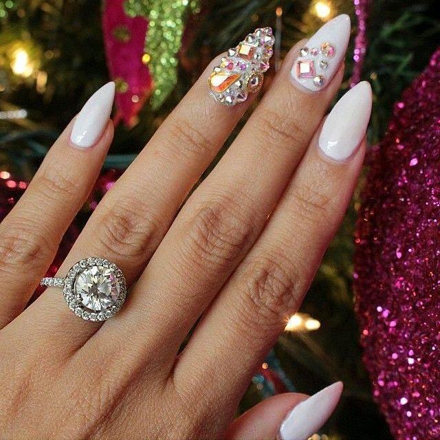 Uñas de super moda con cristales (23)