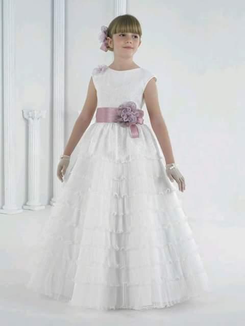 Vestidos para primera comunion 3 decoracion de - Como poner el traje de comunion en casa ...