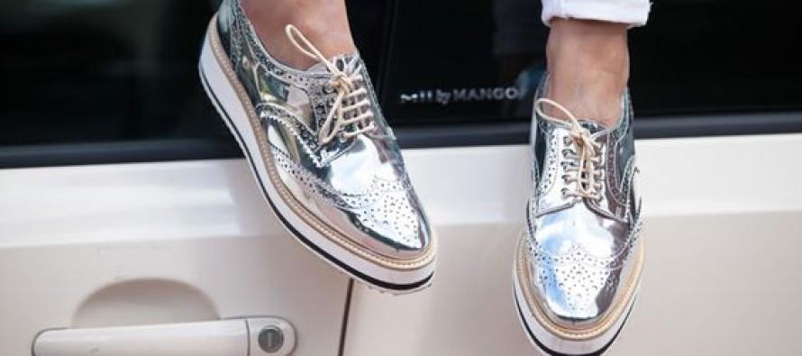 Calzado plateado de moda y como combinarlo