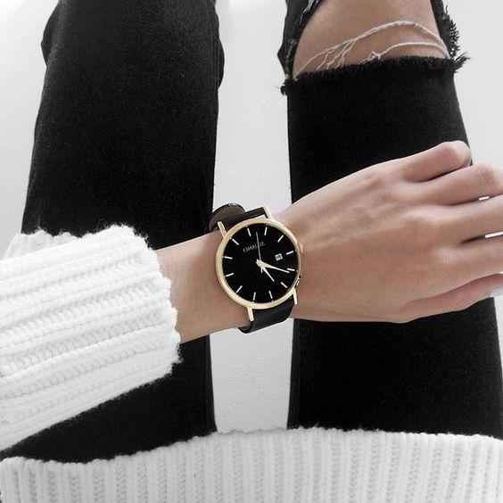 Complementa tu outfit con estos increibles relojes for Bano ocupado en ingles