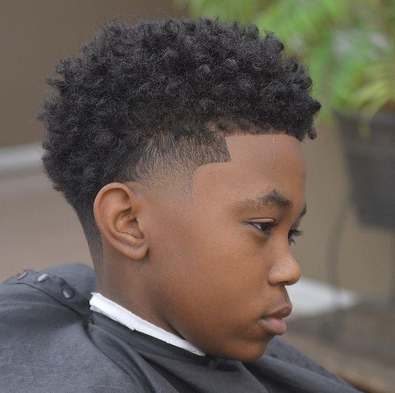 corte de cabello estilo afro para niño