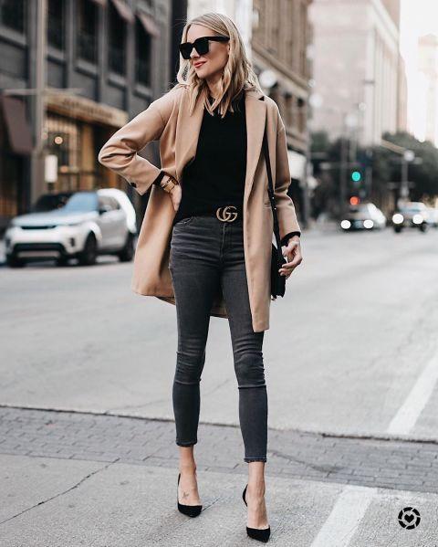 Lindos outfits con blusas básicas en color negro