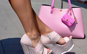 Combina tus zapatos de plataforma con tu bolso – ideas