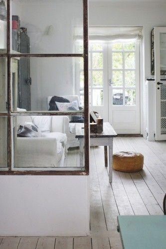 Distribucion de muebles en salas de estar pequenas 16 for Muebles de sala para casas pequenas