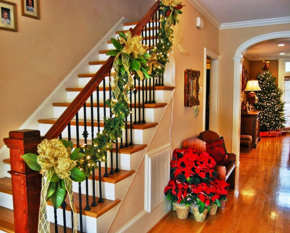 Ideas para decorar escaleras en navidad 22 como for Ideas para decorar la casa en navidad