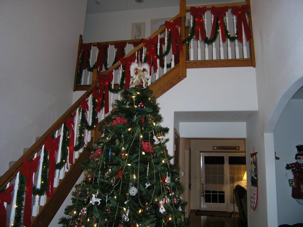Ideas para decorar escaleras en navidad 35 for Escaleras para decorar