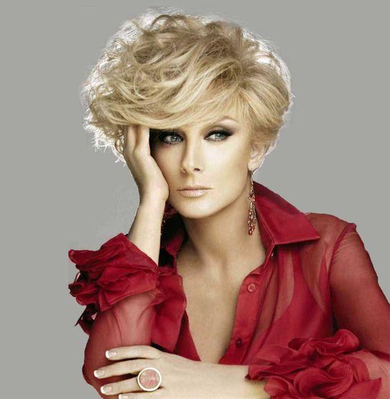 cabello corto pixie elegante mujeres maduras (3)
