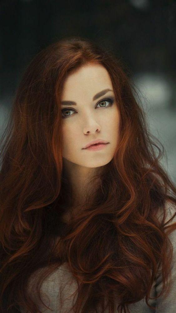 corte de pleo y peinado para mujeres de 20 pelo largo