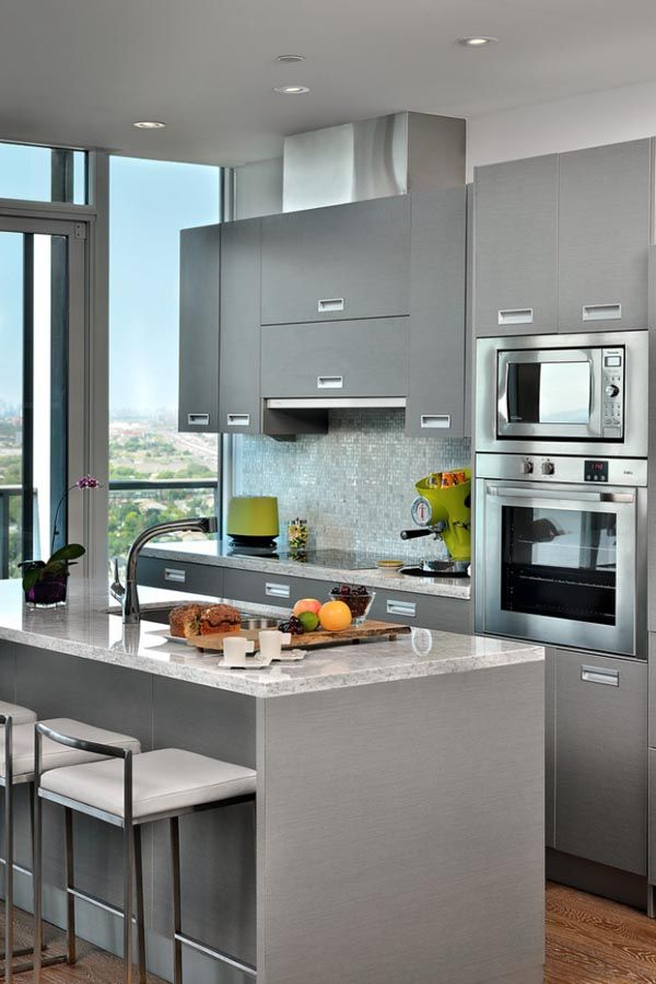 Decoracion de interiores cocinas en color gris 13 for Interiores de cocinas