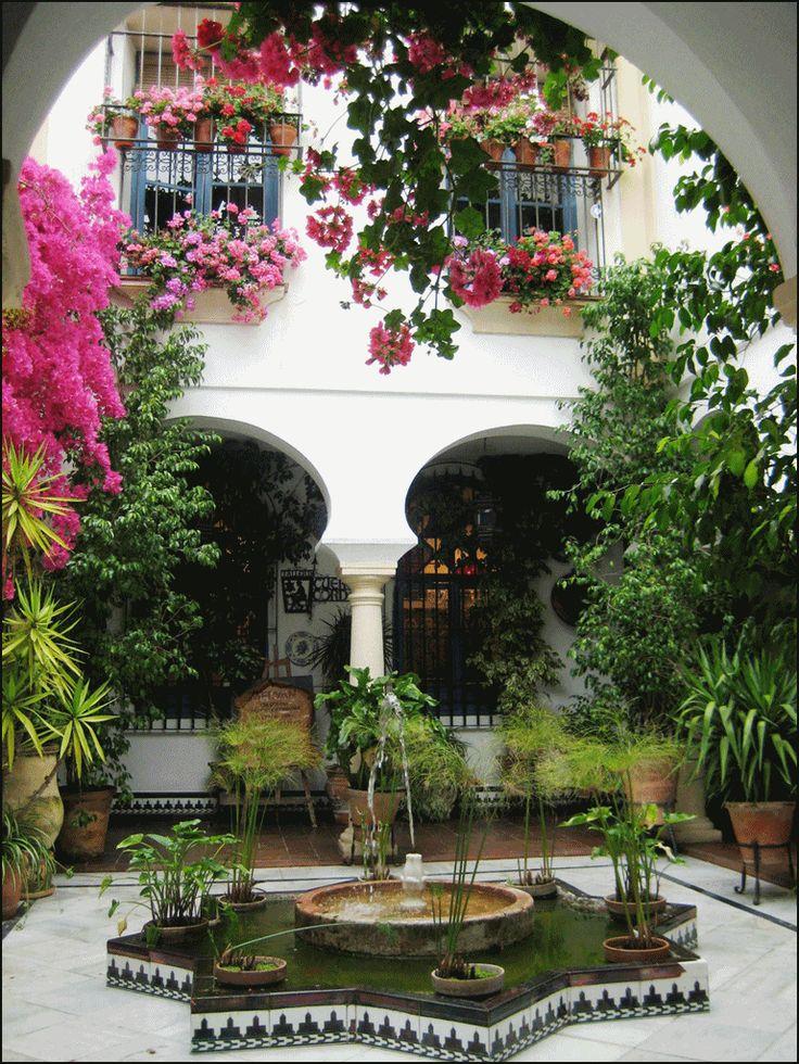 Casas con jardines amplios 42 decoracion de interiores for Jardin spanish