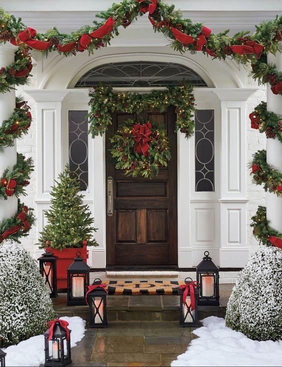 Ideas navideñas para puertas y chimeneas