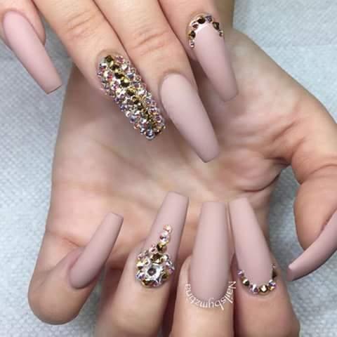Diseños De Uñas En Tonos Nude Y Con Cristales 25 Como