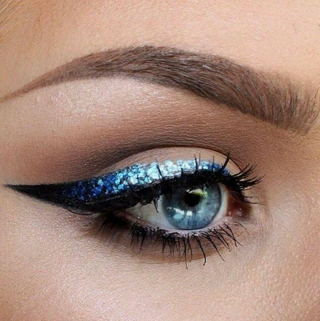 Delineado de ojos con glitter