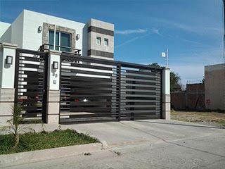 Fachadas de casas con cerco 15 for Puertas para casas minimalistas