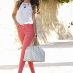 Outfits color coral ideal para primavera