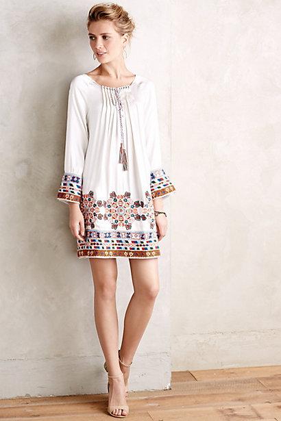Ideas De Outfits Con Vestidos Bordados Para Primavera Verano