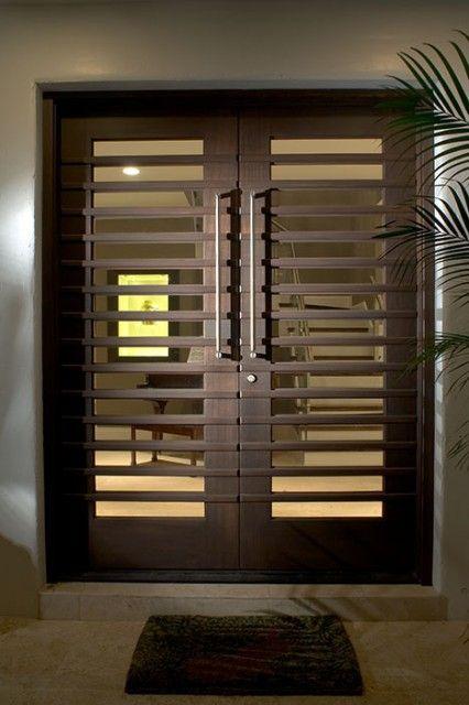 Modernos disenos puertas fachadas 19 decoracion de for Entrance grill door designs
