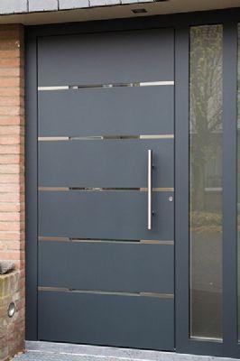 Puertas de herrer a para exterior decoracion de for Puertas pequenas exterior