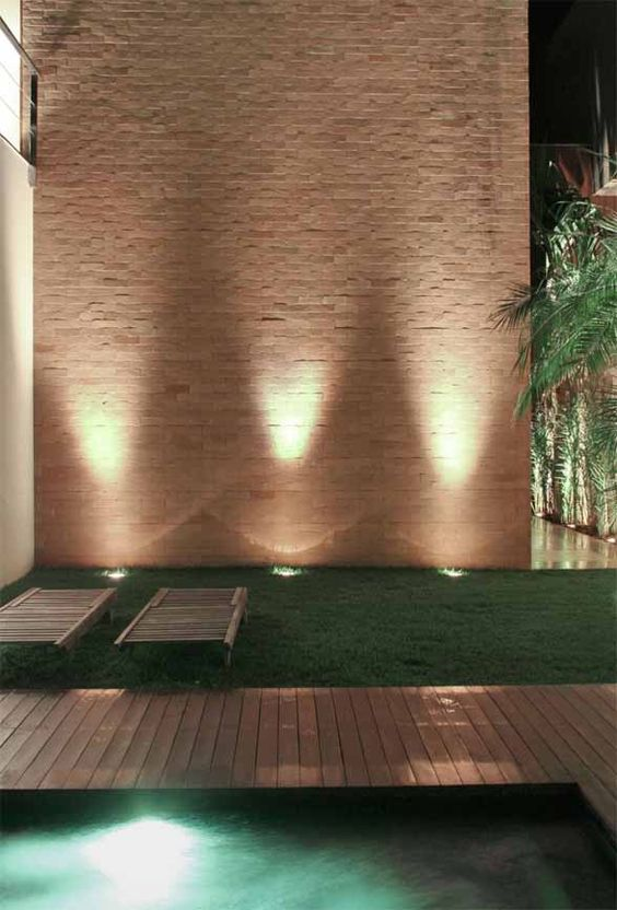 24 fabulosas ideas de iluminacion para el patio o jardin - Iluminacion de jardines modernos ...