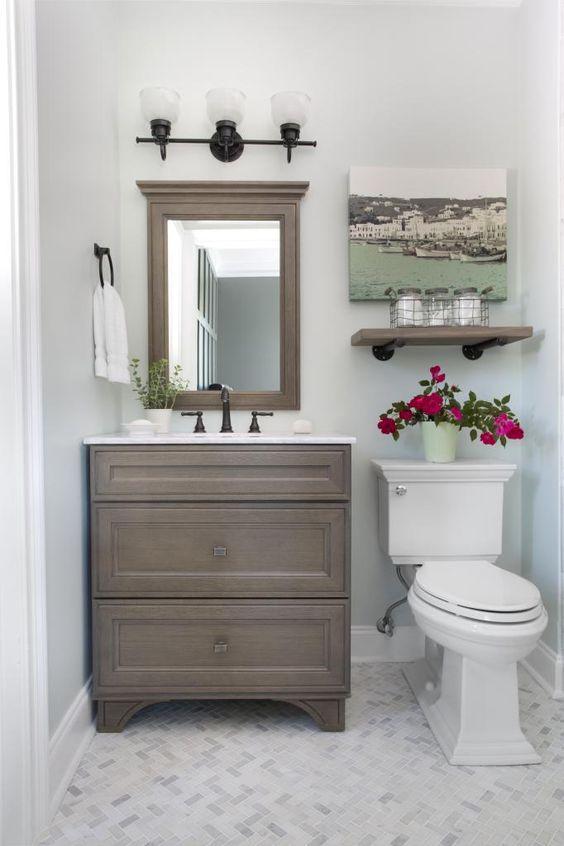 27 banos pequenos modernos toques elegantes 20 for Decoracion de interiores banos pequenos