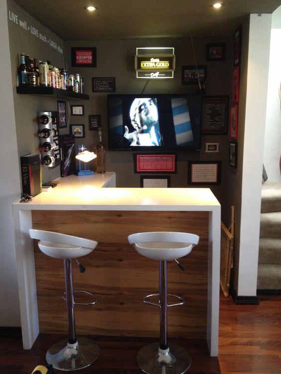 30 barras mini bares puedes poner casa pequena 28 for Bar en madera para casa