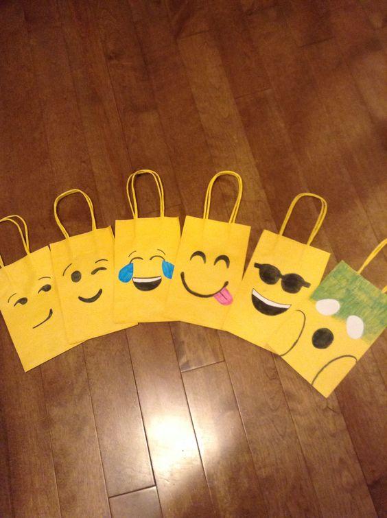 Fiesta Cumpleanos Tematica Emojis 8