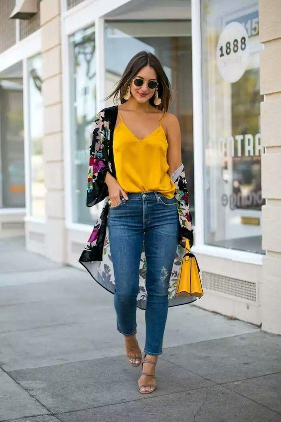 outfits para combinar una blusa amarilla mostaza 4